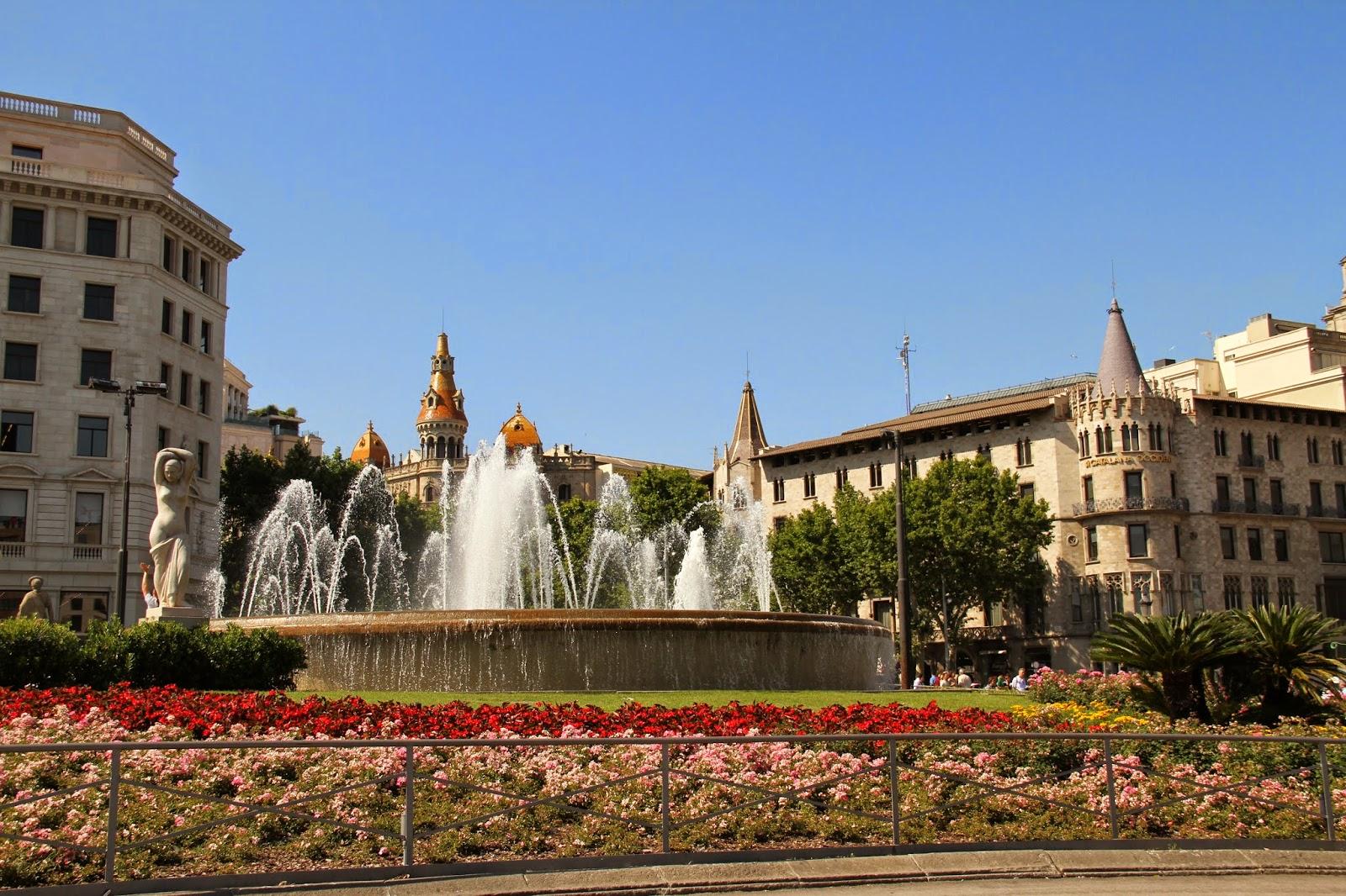 площади Испании