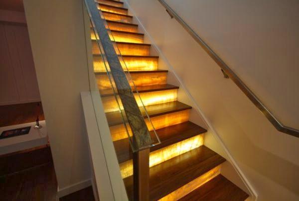 la iluminacin que tenga la escalera tambin es un aspecto fundamental puedes inclinarte por lmparas de techo o led en la zona de las