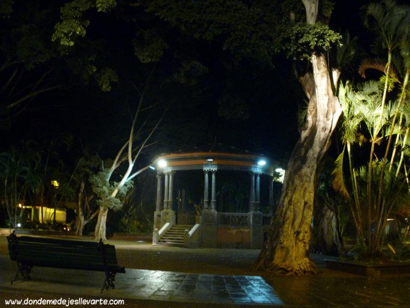 Parque García Sanabria, por la noche