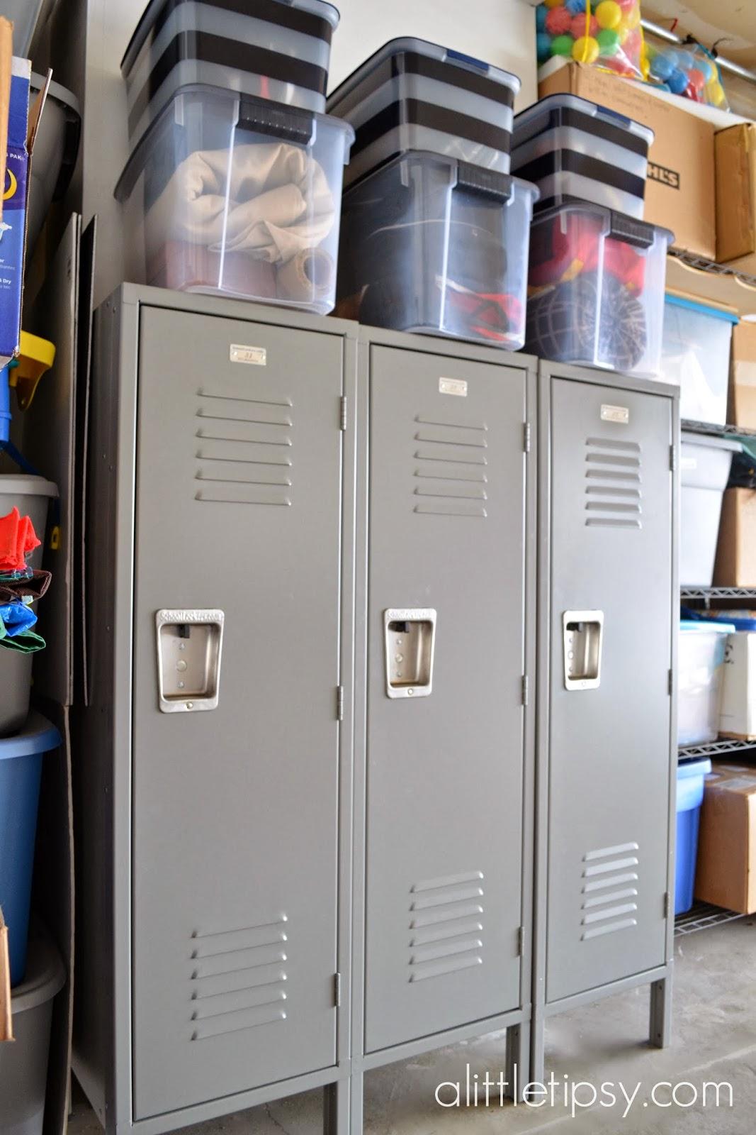 plastic material cabinets storage assemble global garage to maintenance furniture easy lockers c rubbermaid handling industrial