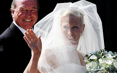 zara-phillips-mike-tindall-wedding-dress