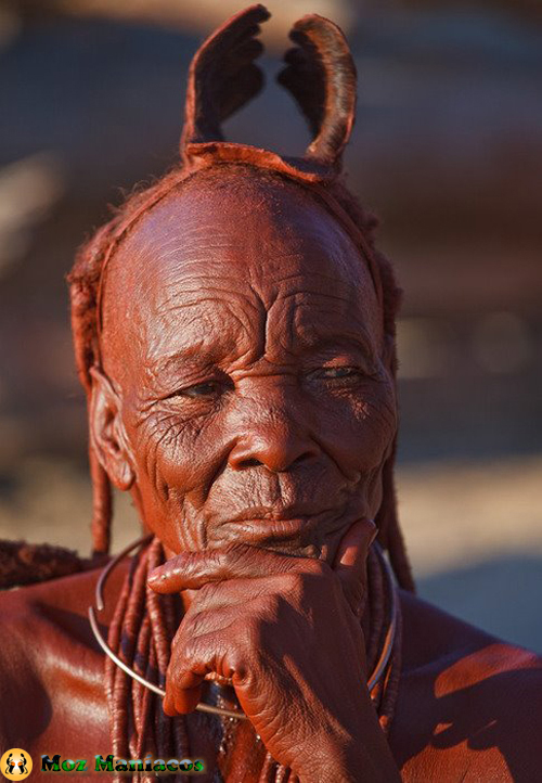 Vovó do povo Himba