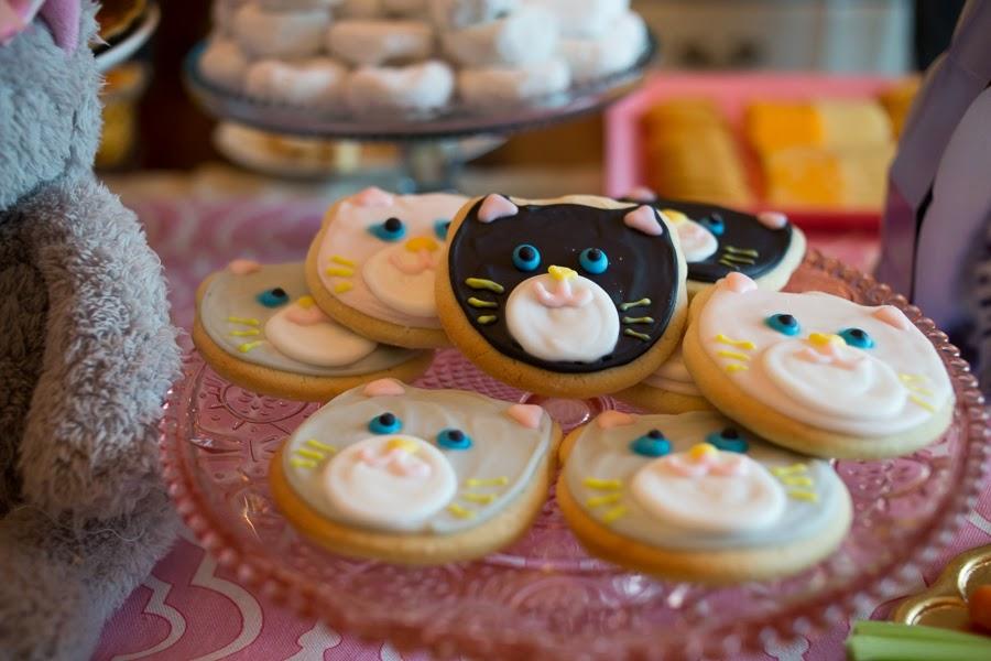 birthday party, birthday photography, birthday, bedford texas, bedford, refreshingly chic, kitty cookies, cat cookies, kitty party, storytelling photography, candid photo