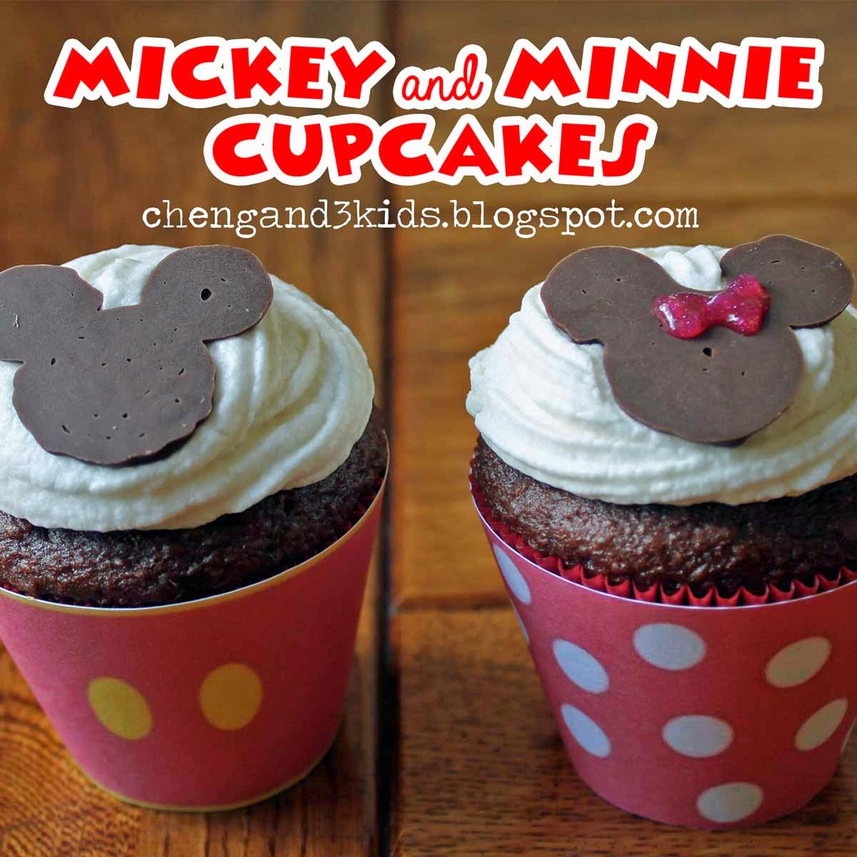 Mickey and Minnie Cupcakes by Cheng and 3 Kids
