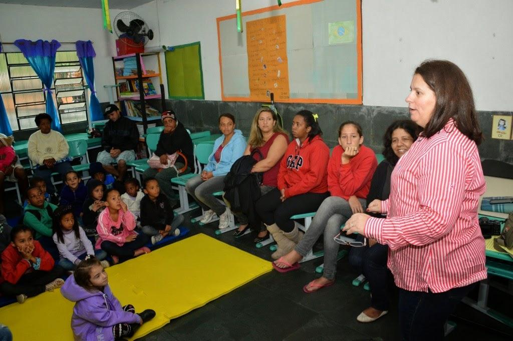 Professora Angela deixa sua mensagem aos alunos e pais da Escola Marília Porto