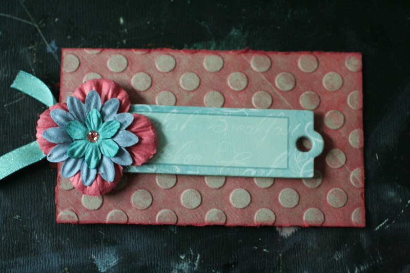 Ecoscrapbook toilet paper roll craft niki 39 s gift card holder for Toilet paper roll challenge