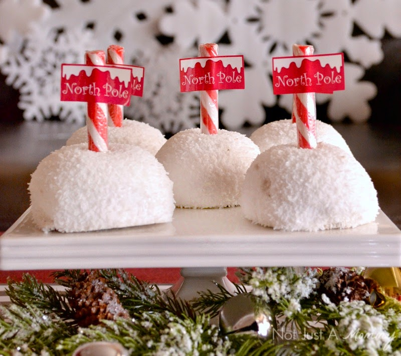 Holiday With Hostess Snacks North Pole Sno Balls #HostessHoliday