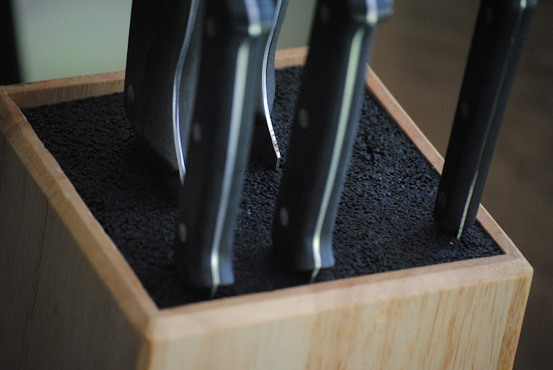 Kapoosh knife block and kitchen organization idea