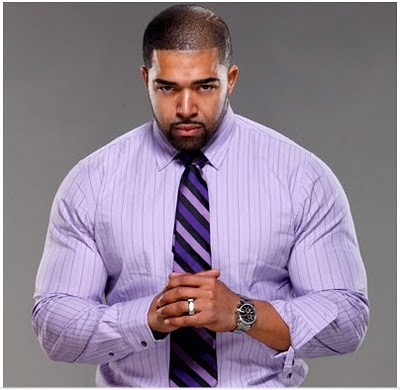 David Otunga suit