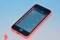 Hands-On With the Red iPhone 5C Plastic