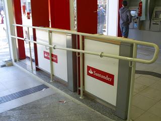Guarda corpo padrão Santander