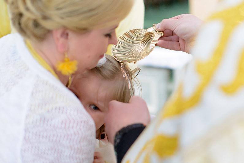 krikštynos Kauno šv. Antano Paduviečio (Naujamiesčio) parapijos bažnyčioje