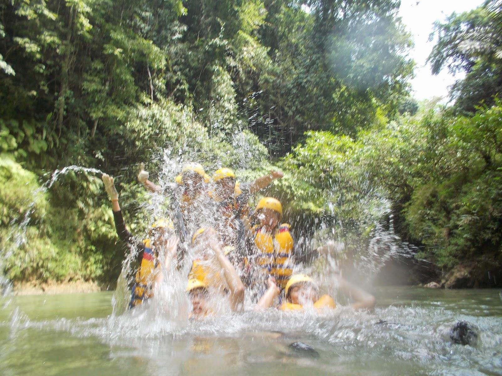 ceria bersama petualangan body rafting