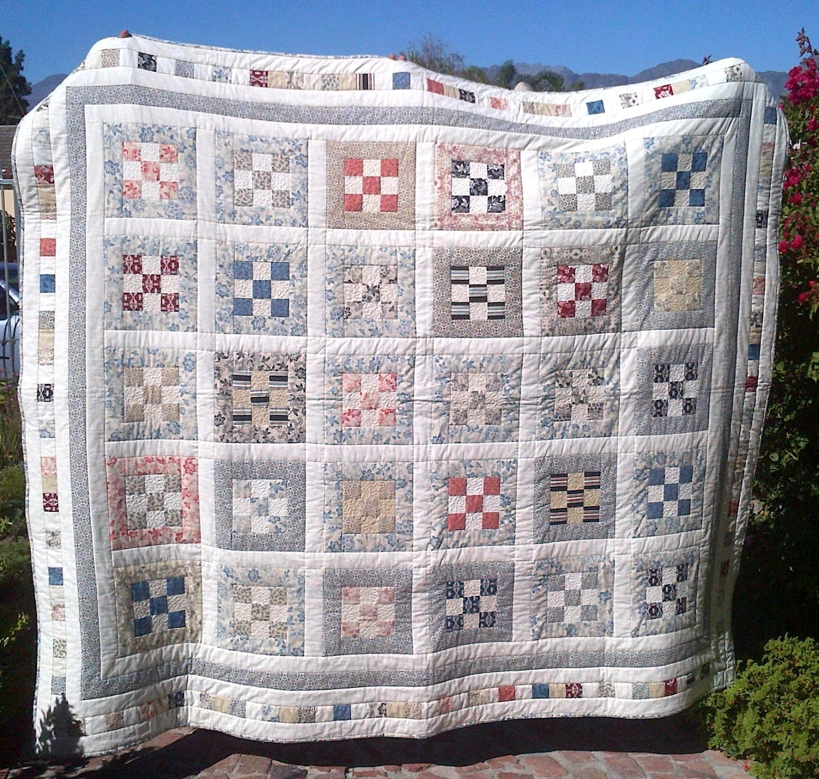 Cape pincushion mom 39 s a la maison jelly roll quilt finished for Au maison quilts