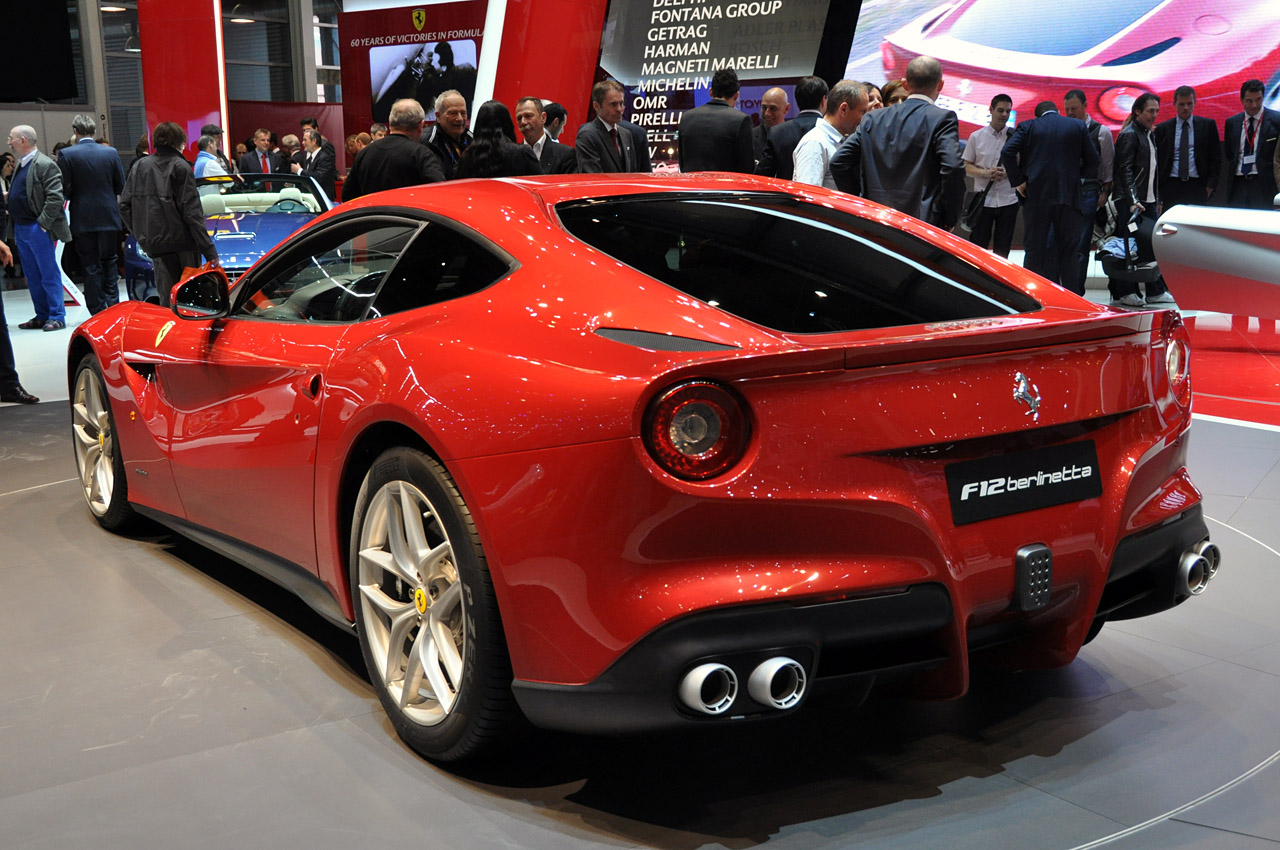 bitty so hot 2012 ferrari f12 berlinetta. Black Bedroom Furniture Sets. Home Design Ideas