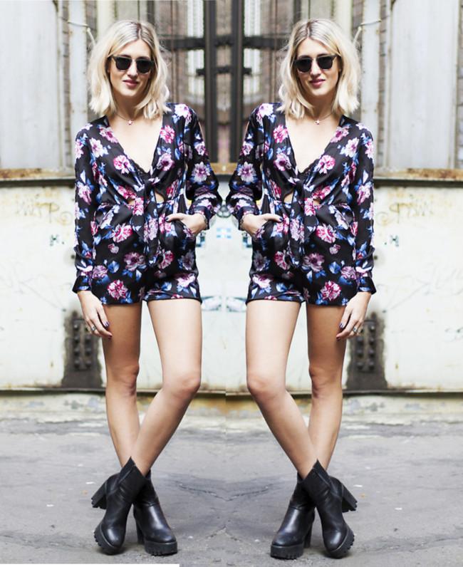 Floral Playsuit Summer, Streetstyle, macaquinho, macaquinho floral, macacão curto, macaquinho floral com manga, macaquinho de manga florido, macaquinho de manga comprida, moda, roupas femininas, ankle boot, oculos de sol feminino, blog de moda, oculos