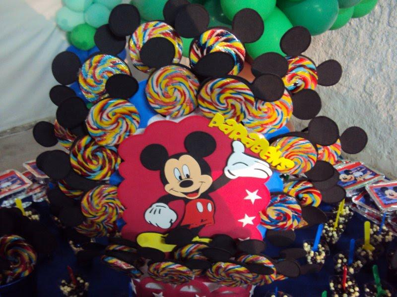 Tema Mickey Foi Para Decorar A Mesa De Guloseimas Do Aniversario