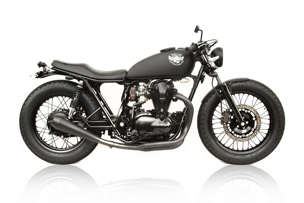 kawasaki w650 redefined by deus return of the cafe racers. Black Bedroom Furniture Sets. Home Design Ideas
