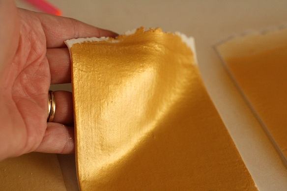 How To Get A Gold Finish On Fondant