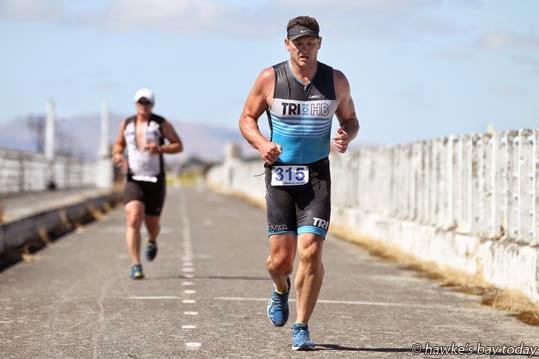 Karl McDonald, Napier, on Embankment Rd, Shed 2 Triathlon and Duathlon Series, race no 4, Pandora Pond, Napier. photograph