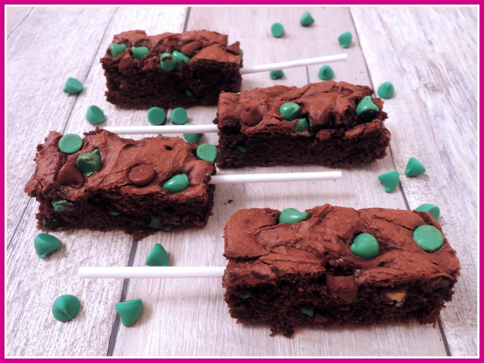 Mint Chocolate Chip Cookie Bars!