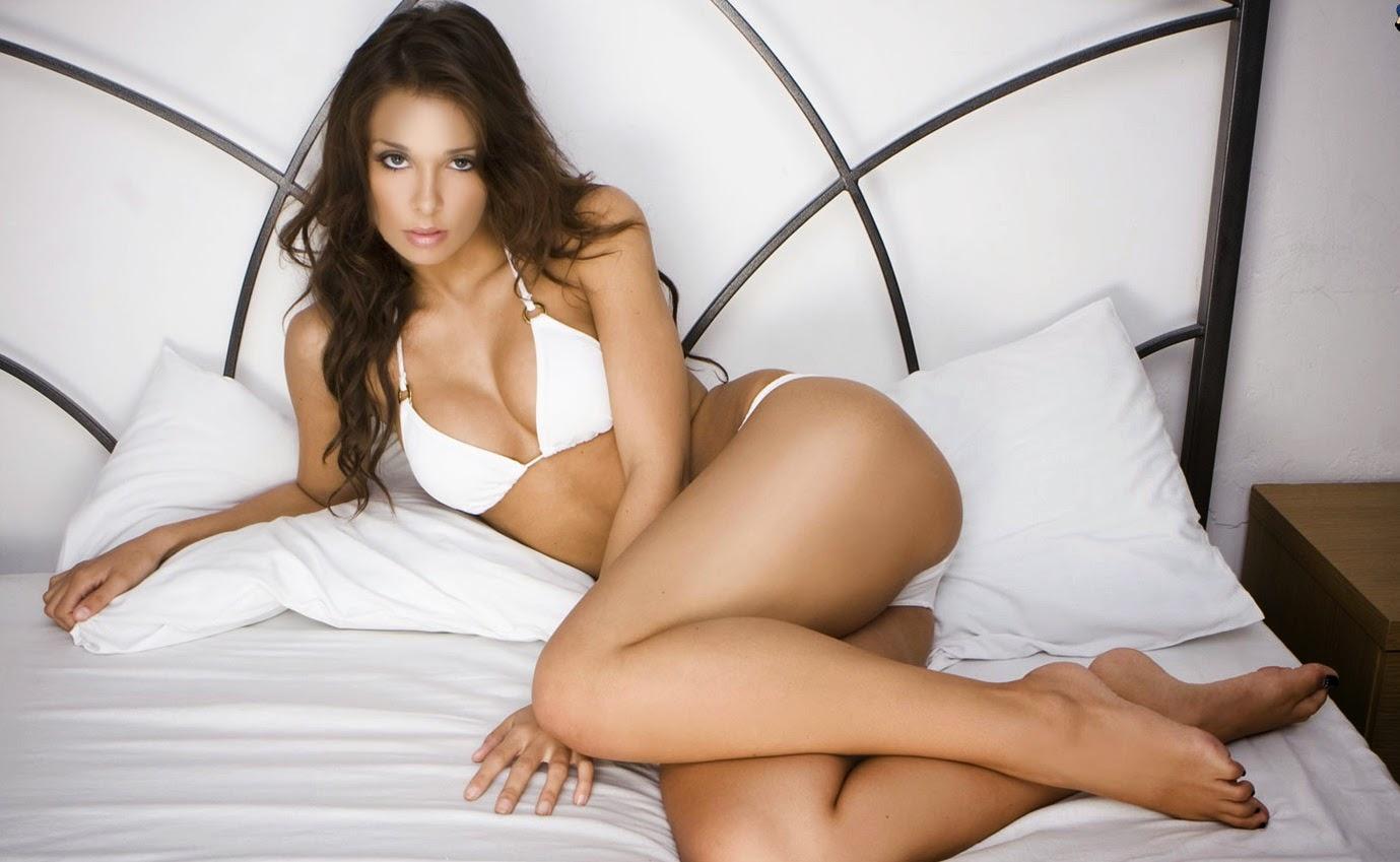 Yana Gupta - Bollywood Sexy Model
