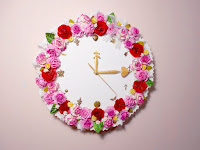 http://iwearabow.blogspot.com/2015/06/room-decor-diy-floral-clock.html