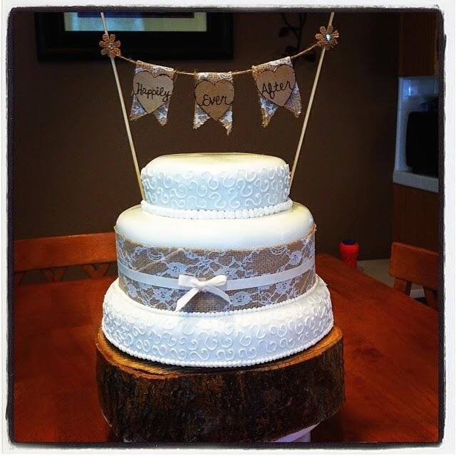 BURLAP & LACE WEDDING CAKE