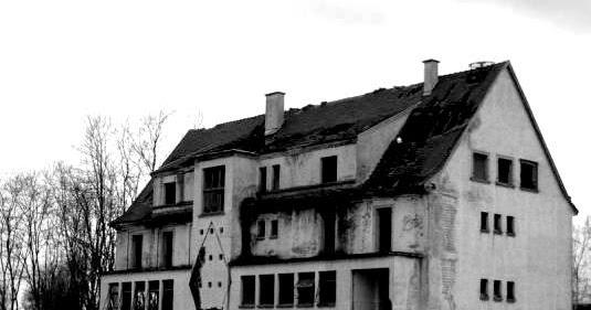 l 39 hotel abandonn de st hippolyte 1er aout 2012 3emeoeil. Black Bedroom Furniture Sets. Home Design Ideas