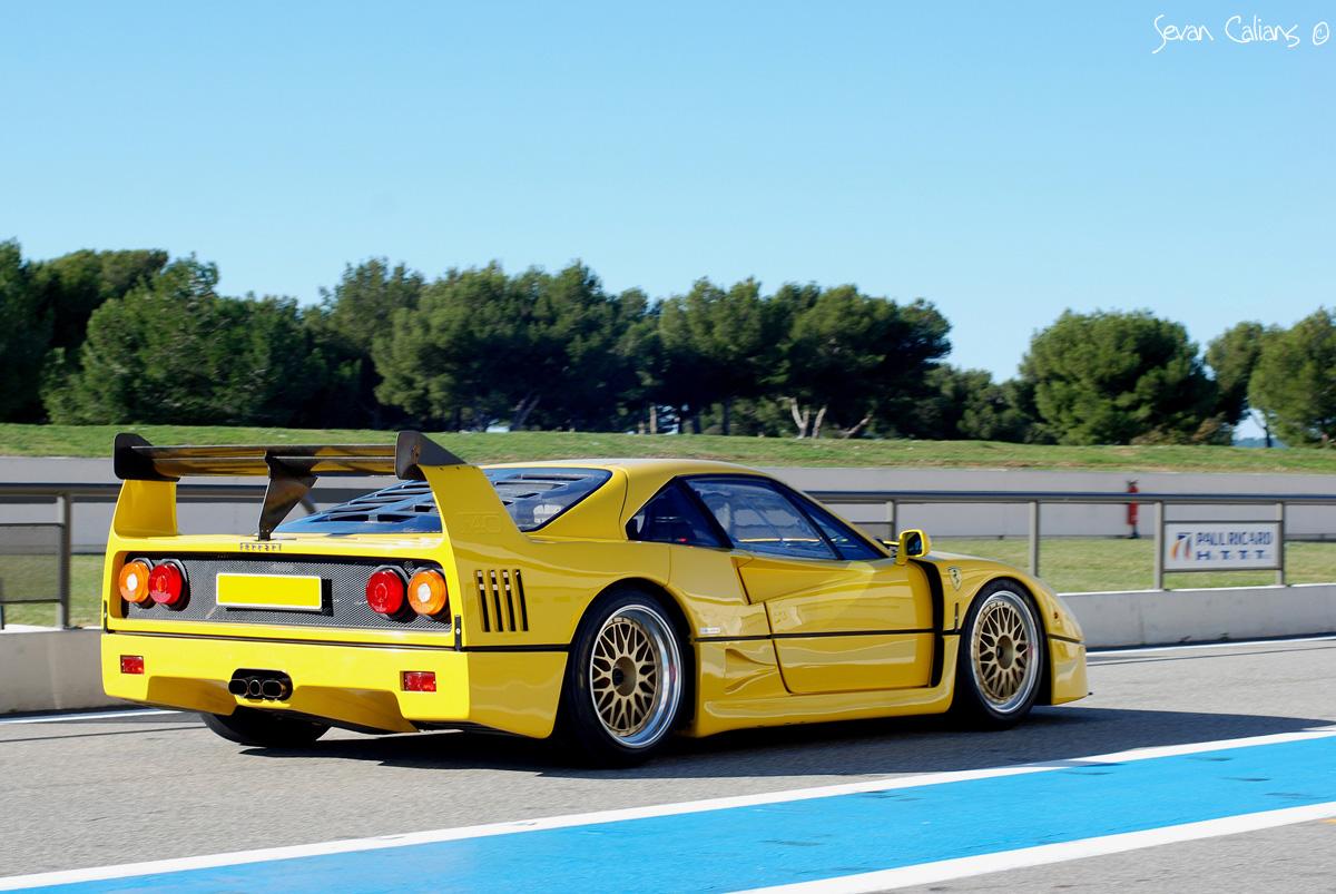 Takeyoshi Images Ferrari F40