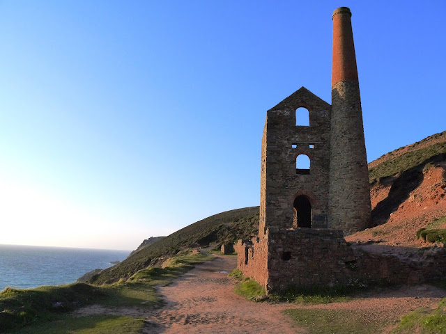 Wheal Coates Mine to Chapel Porth