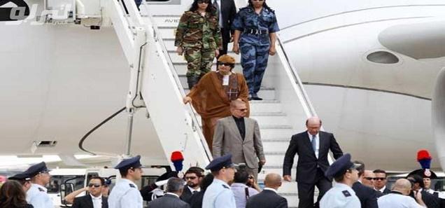 صور تنشر لأول مرة لطائرة القذافي الخاصة بعد بيعها من القضاء الفرنسي