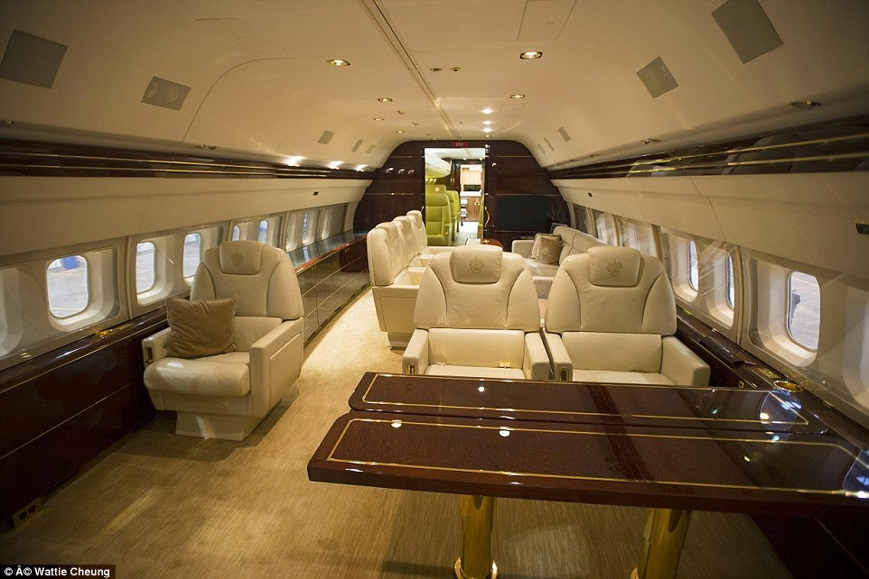 MAGNIFICENT See Luxurious PHOTOS Of Donald Trump39s Private Jet