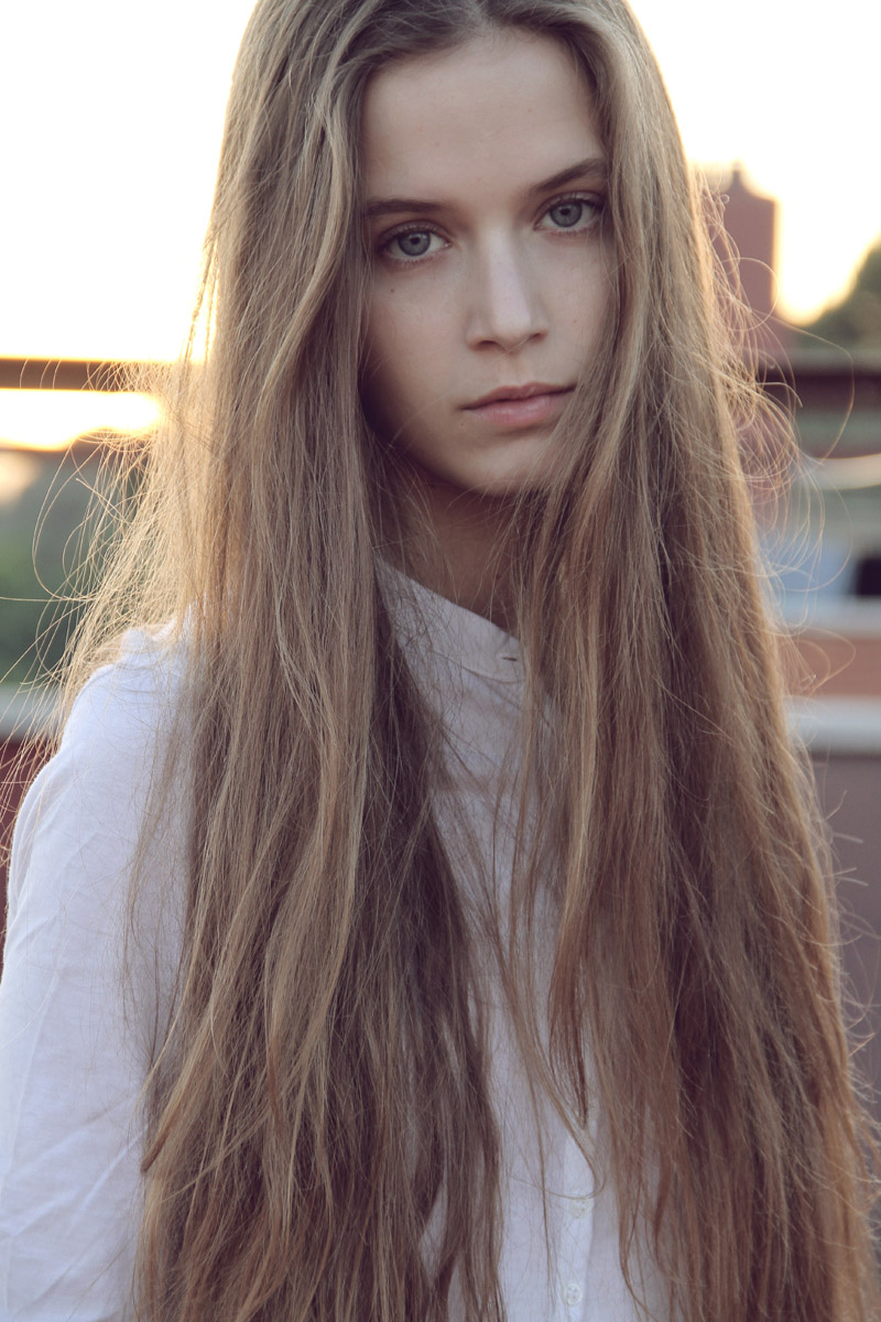 LOVE long hair, I have long hair myself and I can say it's very hard ...