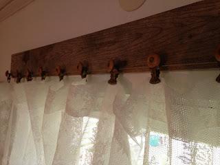 Gardinstång, gardiner, spets,
