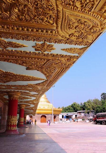 the carvings at the Global Vipassana Pagoda
