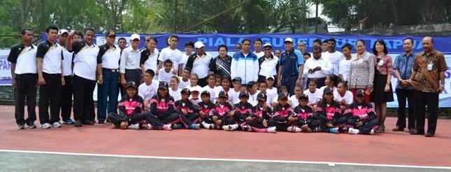 Remaja Bank Papua 2013