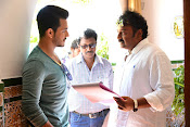 Akhil Movie Working Stills-thumbnail-13