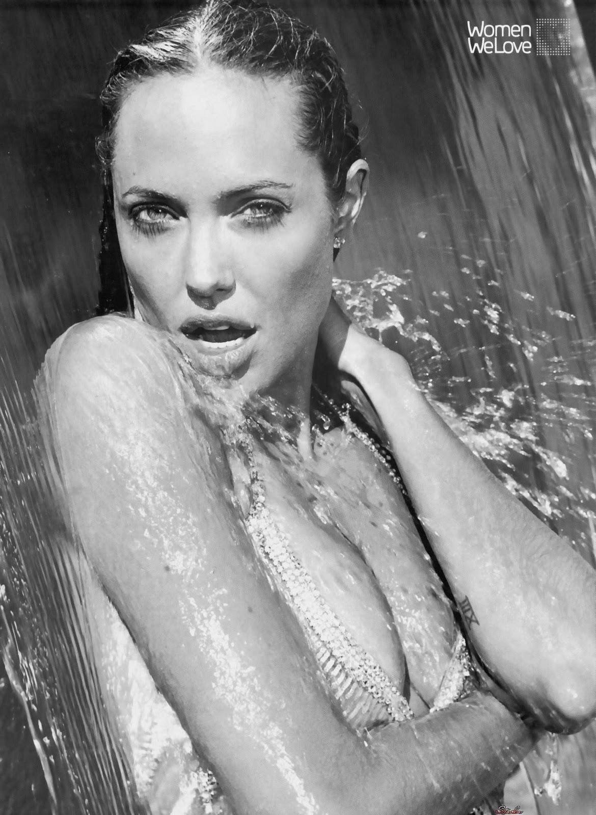 http://4.bp.blogspot.com/-kfBSp7Fxnf8/Tq6rEzO7K0I/AAAAAAAAA_8/B7nwj494Hj8/s1600/angelina-jolie-hot.jpg