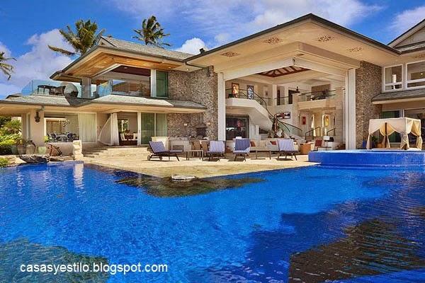 Casas grandes con piscina casas y estilo for Fotos de casas de campo con piscina