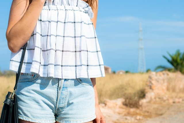 crop-top-cuadros-zara
