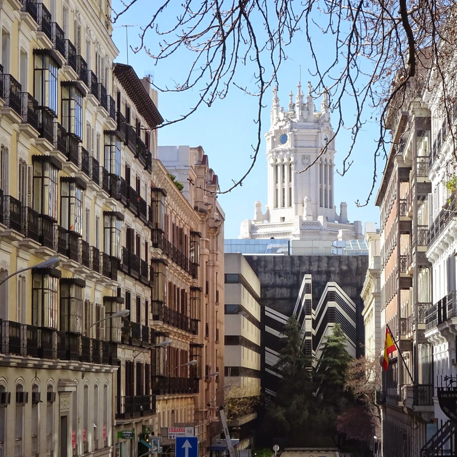 Luciano Fabro parque del Retiro Palacio Velazquez Museo Reina Sofía Madrid Arte Paseo Italia