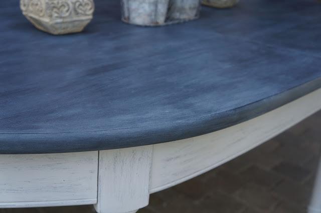 table-salle-à -manger-patinée-gris-clair-ardoise