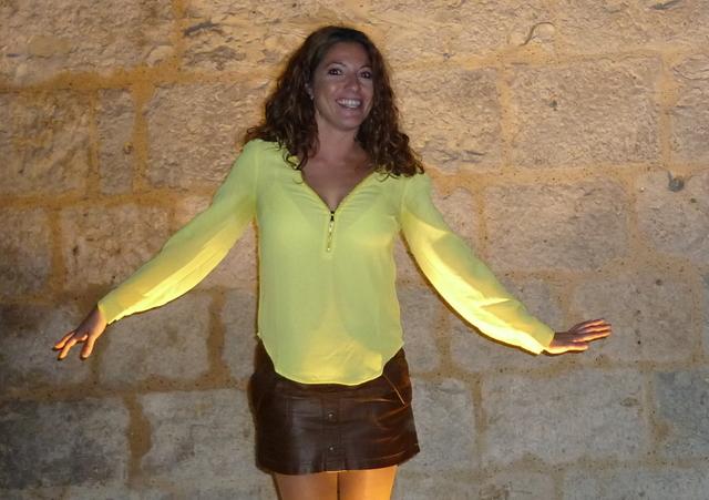 Camisa amarilla cremallera