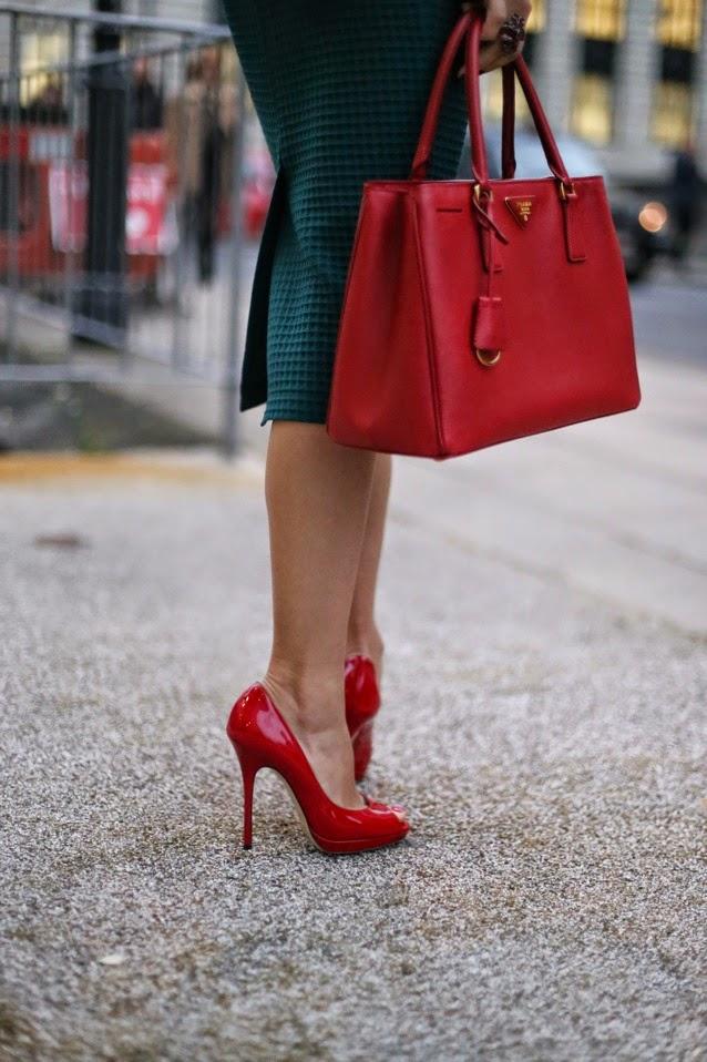 туфли джимми чу, красная лакированная кожа, туфли на высоком каблуке