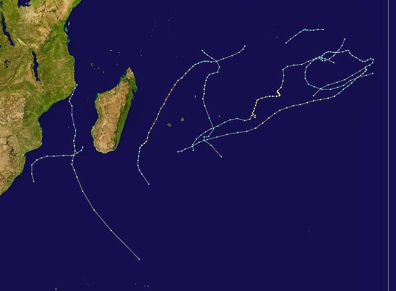 Carte trajectoire cyclonique 2000 2001
