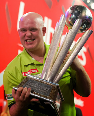 Netherlands, Michael van Gerwen, Celebrate, Sid Waddell, Trophy,  Britain, Peter Wright,  PDC , World Championship, Darts, Alexandra Palace, London, UK, Sports, World Cup, Throw, Sports,