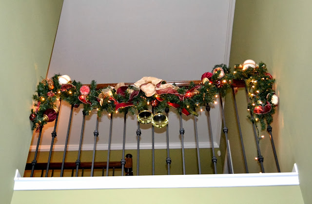 christmas-banister-garland, christmas decor, accessories, christmas