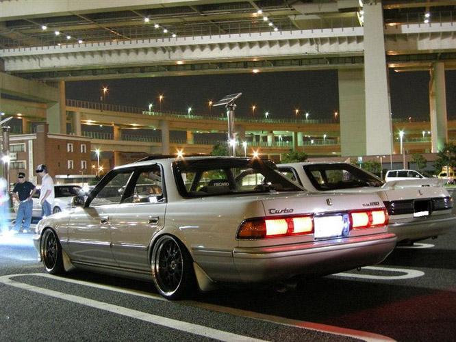 Toyota Mark II X80, japoński sportowy sedan, tylnonapędowy, napęd na tył, RWD, drifting, zdjęcia, tuning