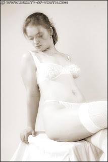 Nude Babes - rs-yob_lnd_003_Linda_003_023-792940.jpg